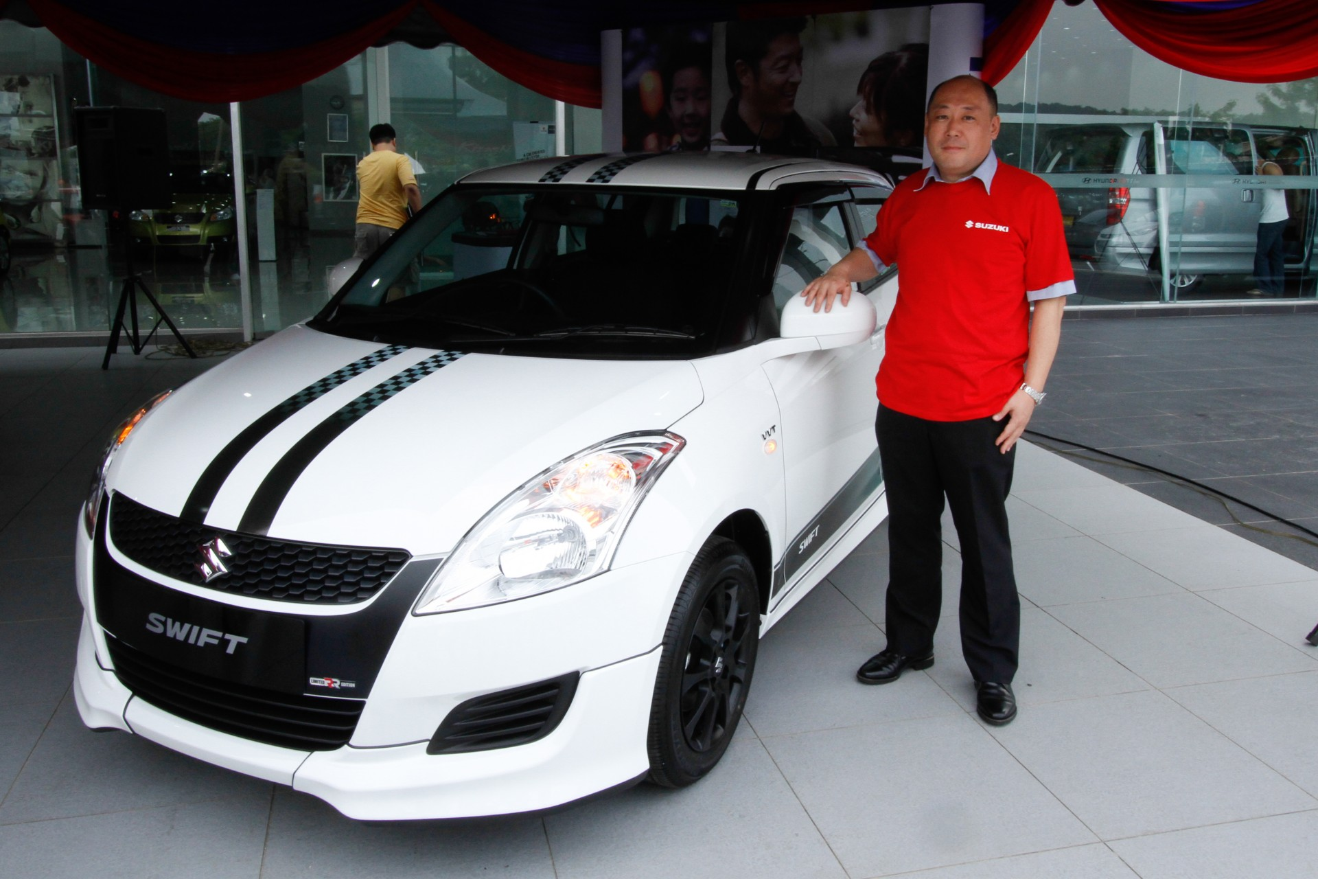 Swift car sticker designs - Suzuki M Sia Fetes Owners Introduces Swift Rr Limited Edition Autofreaks Com