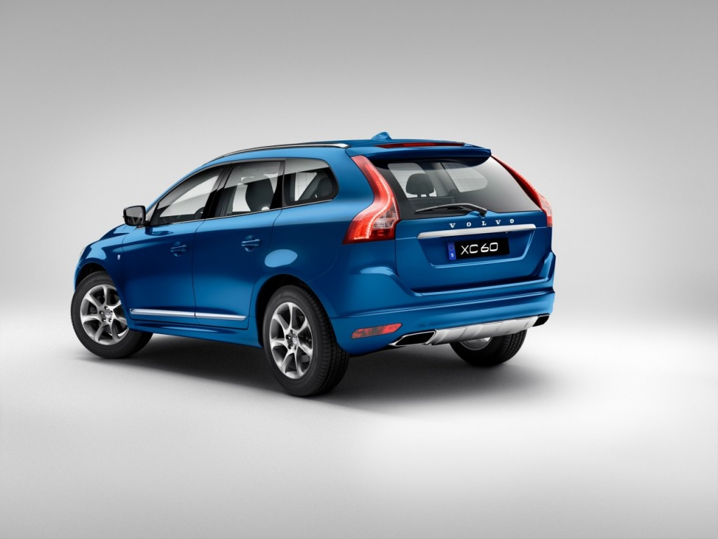 154075_Volvo_Unveils_Limited_Edition_Volvo_Ocean_Race_XC60_at_Miami_International