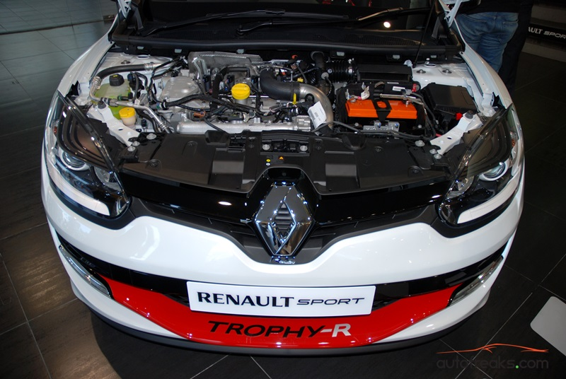 renault megane r s 275 trophy r makes local debut priced at rm300k. Black Bedroom Furniture Sets. Home Design Ideas