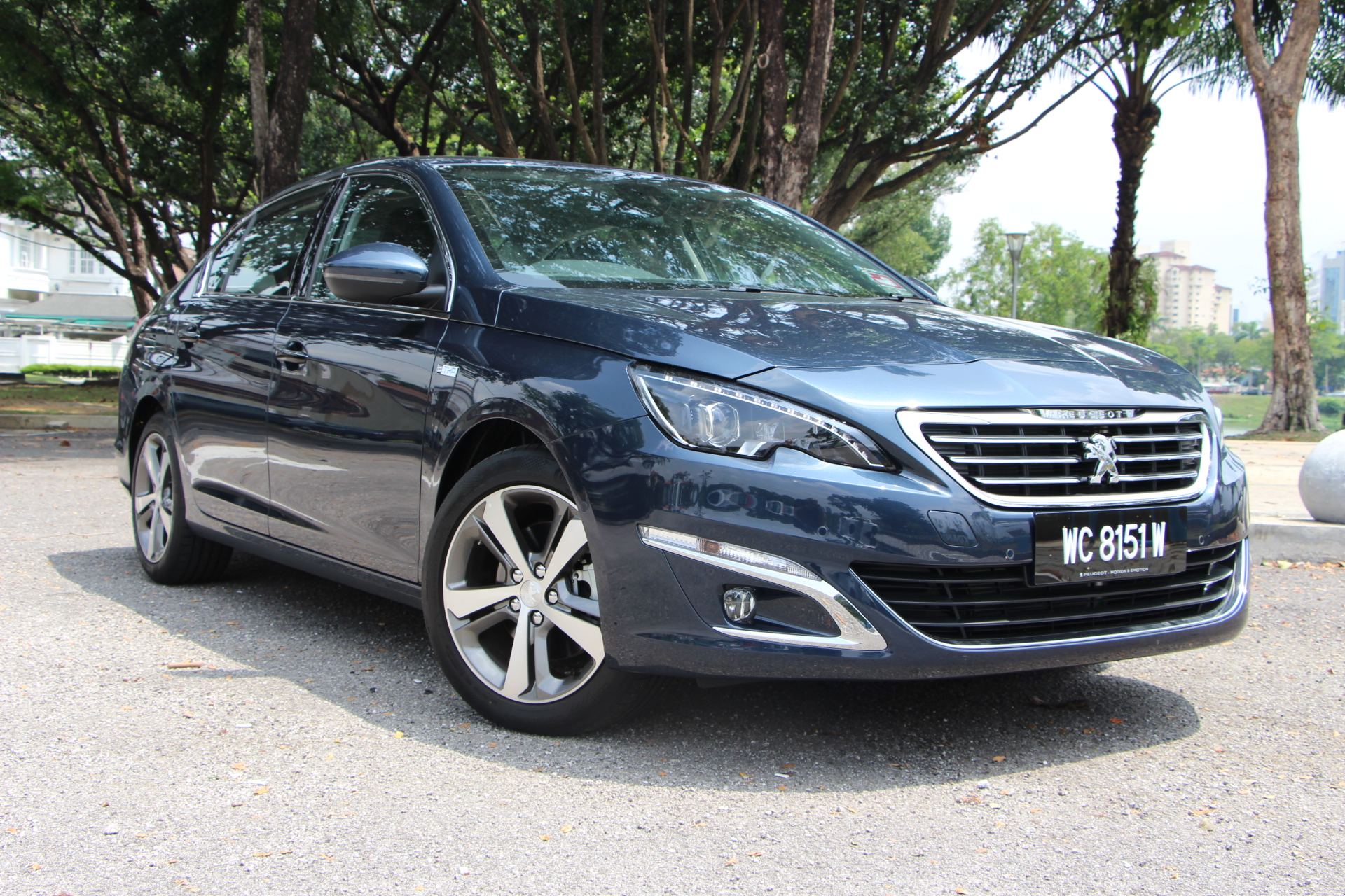 MID-WEEK FEATURE: The Peugeot 408 E-THP