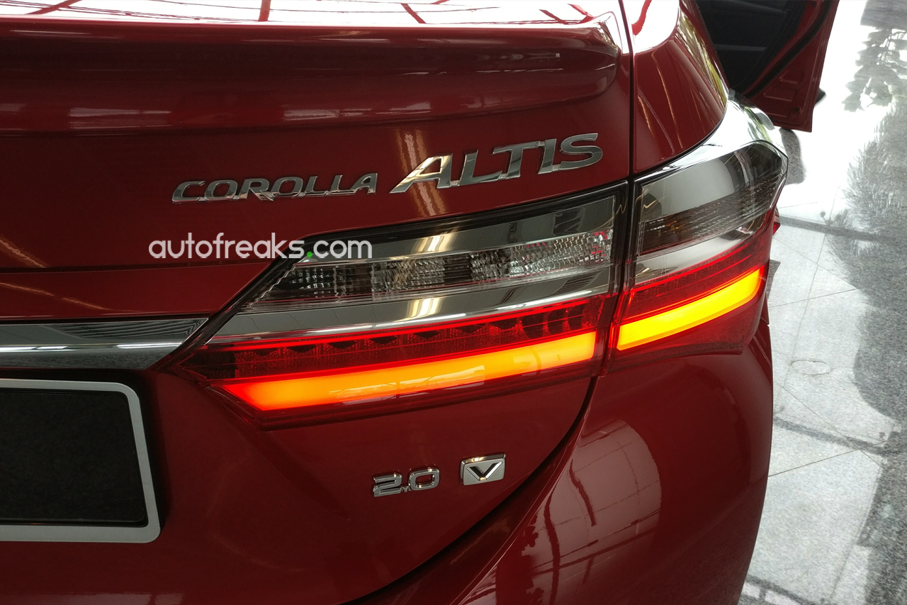 2016_Toyota_Corolla_Altis_Facelift_Preview_2016_7