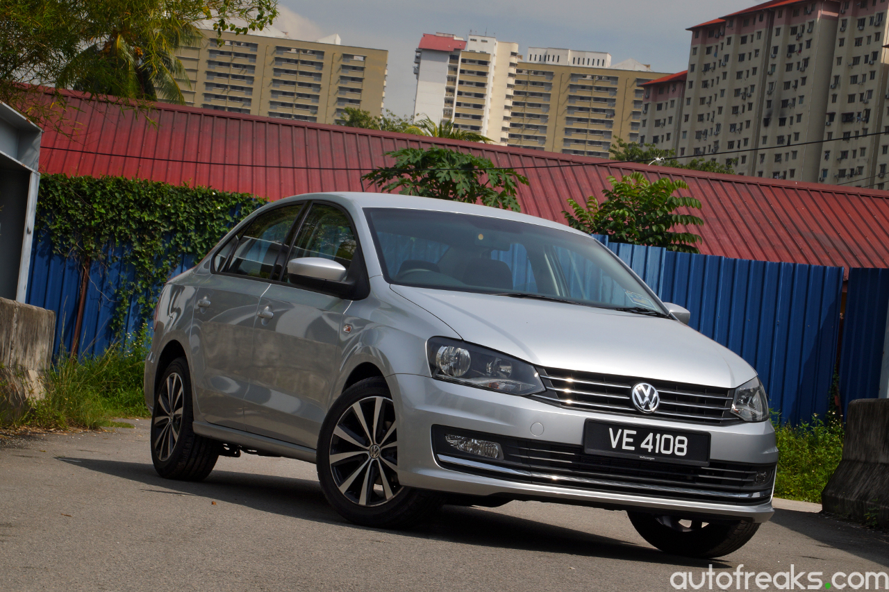 Volkswagen_Vento_Review_2016 (7)
